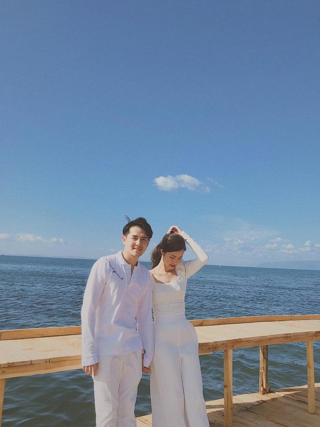 Vợ chồng Đông Nhi - Ông Cao Thắng tiếp tục vi vu hậu lễ cưới thế kỷ, tung loạt khoảnh khắc đẹp như MV - Ảnh 3.