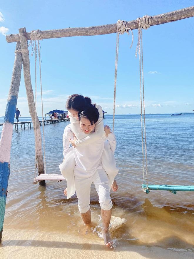 Vợ chồng Đông Nhi - Ông Cao Thắng tiếp tục vi vu hậu lễ cưới thế kỷ, tung loạt khoảnh khắc đẹp như MV - Ảnh 2.
