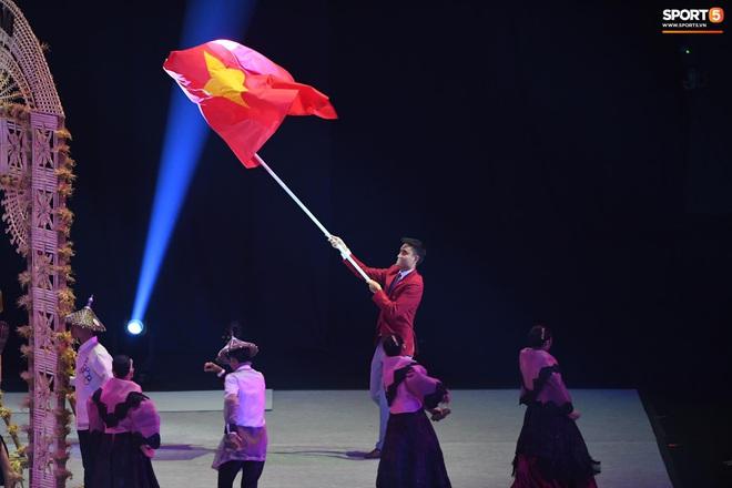 SEA Games 30 chính thức khởi tranh sau buổi lễ khai mạc hoành tráng, đoàn Việt Nam sẵn sàng mang vinh quang về cho dân tộc - Ảnh 7.