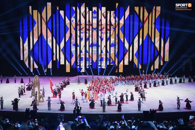 SEA Games 30 chính thức khởi tranh sau buổi lễ khai mạc hoành tráng, đoàn Việt Nam sẵn sàng mang vinh quang về cho dân tộc - Ảnh 11.