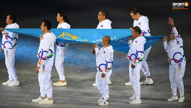 SEA Games 30 chính thức khởi tranh sau buổi lễ khai mạc hoành tráng, đoàn Việt Nam sẵn sàng mang vinh quang về cho dân tộc - Ảnh 6.