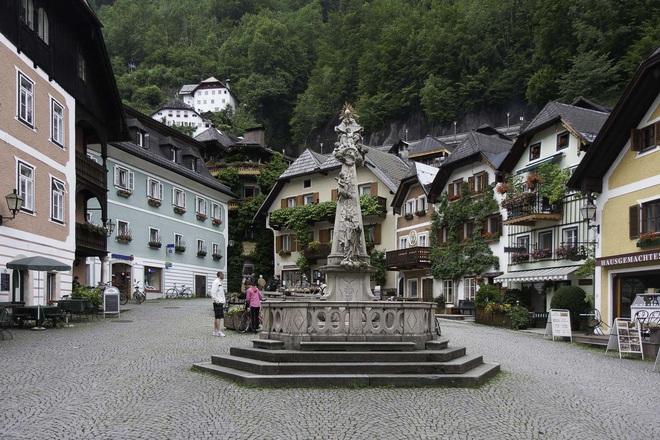 Trước vụ cháy ngày hôm nay, Hallstatt (Áo) được biết đến là thị trấn cổ nghìn năm với những hình ảnh đẹp mê ảo - Ảnh 9.