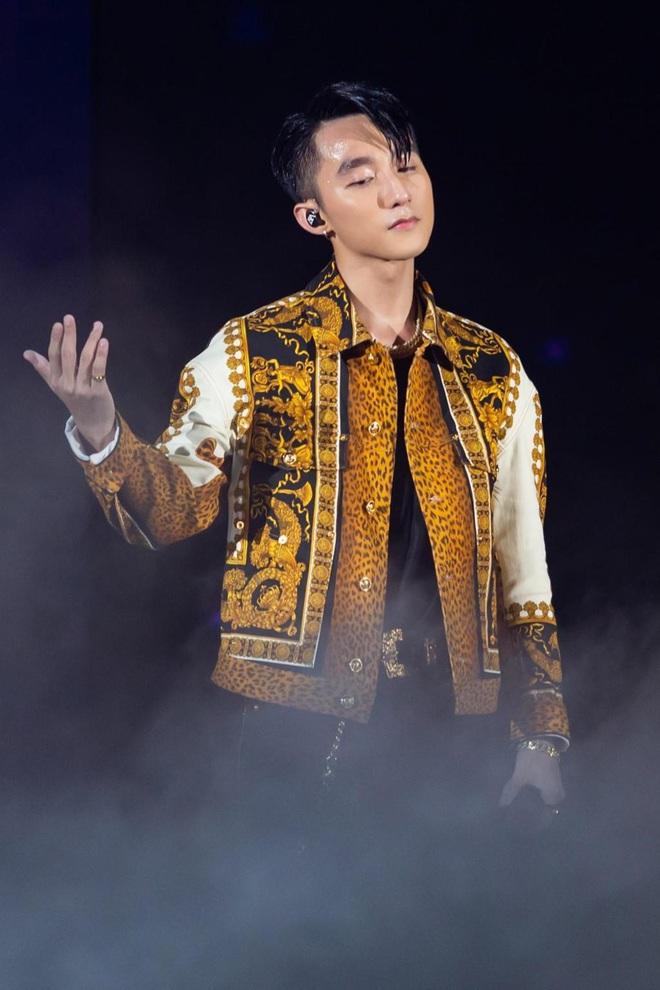5 ca sĩ Việt lấn sân đóng phim: Cả sếp Sơn Tùng lẫn anh Xái Isaac đều thành công khi gia nhập làng điện ảnh - Ảnh 7.