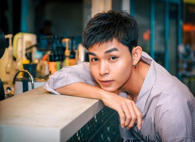 5 ca sĩ Việt đóng phim: Cả sếp Sơn Tùng lẫn anh Xái Isaac đều đi đu đưa làng điện ảnh - ảnh 17