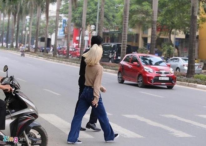 Street style sao Hàn khi sang Việt Nam: Nhìn là thấy cả một bầu trời giản dị 2