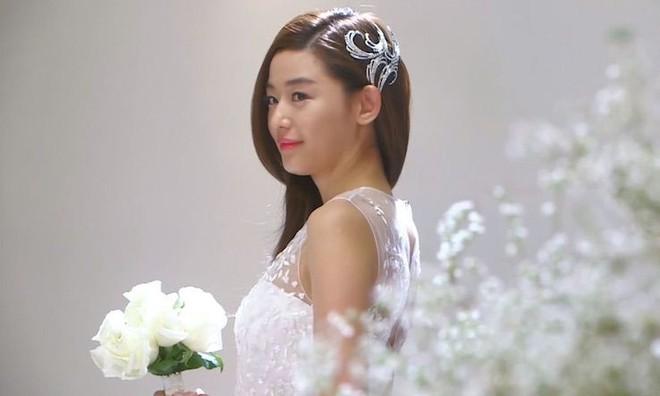 10 cô dâu đẹp nhất trên màn ảnh: Lưu Diệc Phi trong sáng thuần khiết, Jun Ji Hyun kiêu sa sang chảnh - Ảnh 11.