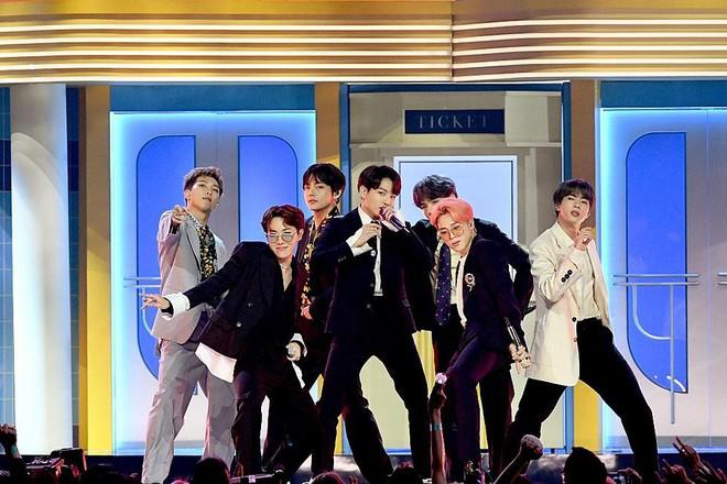 Mang tiếng là nằm trong BIG3 nhưng YG đã bị cả Big Hit lẫn Pledis vượt mặt về mảng doanh số album trong năm 2019 - Ảnh 1.