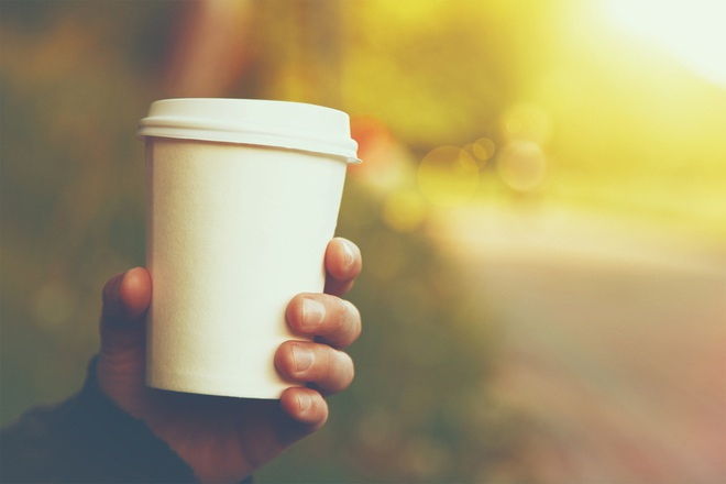 Uống nhiều nước có lợi cho sức khỏe, nhưng nếu chọn sai cốc thì lại có thể gây hại cho cơ thể ngay - ảnh 5