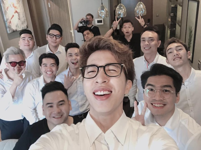 Đám hỏi của streamer giàu nhất Việt Nam Xemesis chưa biết hoành tráng cỡ nào, nhưng nhìn dàn bê tráp đã thấy choáng váng - ảnh 1