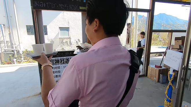 Khoa Pug tung vlog mới ở Hiroshima, gặp đồng hương nhưng lần này không dám quay vì sợ dính phốt lần 2 - Ảnh 2.