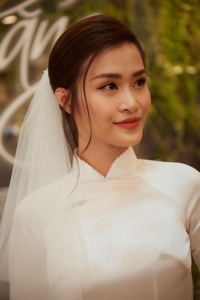 Chính thức hé lộ 2 mẫu váy cưới cực lộng lẫy, được đặt may riêng theo yêu cầu khắt khe của Đông Nhi cho hôn lễ - Ảnh 4.