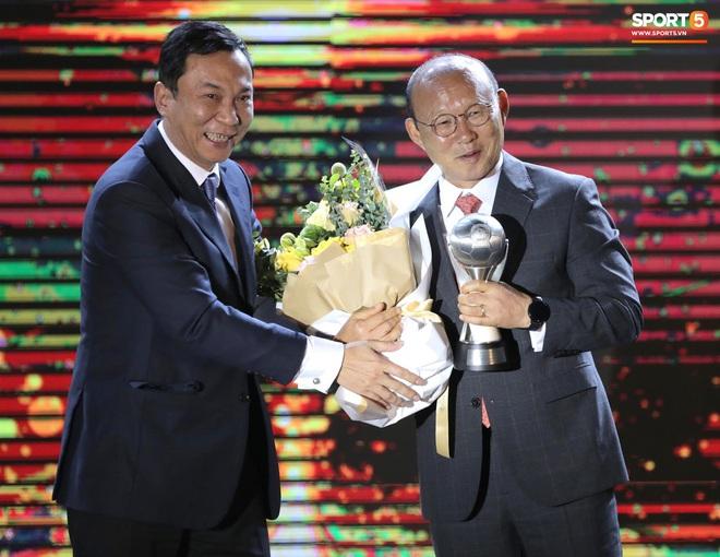 Tuyển Việt Nam thắng lớn tại AFF Awards 2019: Xứng danh anh cả Đông Nam Á - ảnh 4