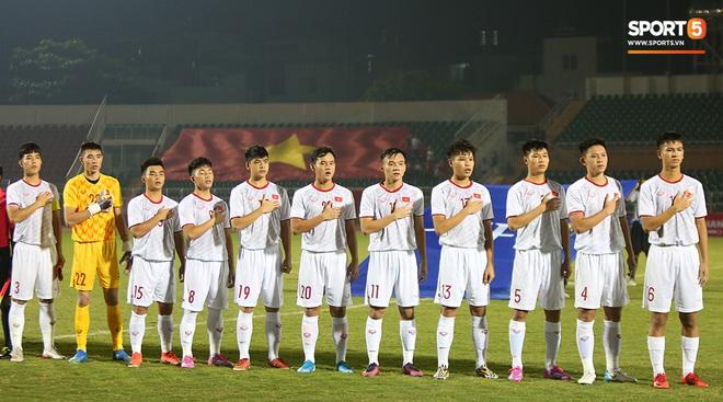 U19 Việt Nam thắng dễ U19 Guam 4-1, phù thủy trắng vẫn nổi điên trong ca-bin đội nhà - ảnh 1