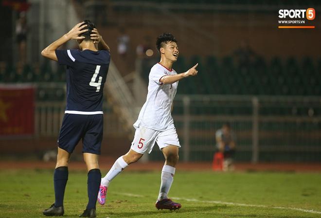 U19 Việt Nam thắng dễ U19 Guam 4-1, phù thủy trắng vẫn nổi điên trong ca-bin đội nhà - ảnh 4