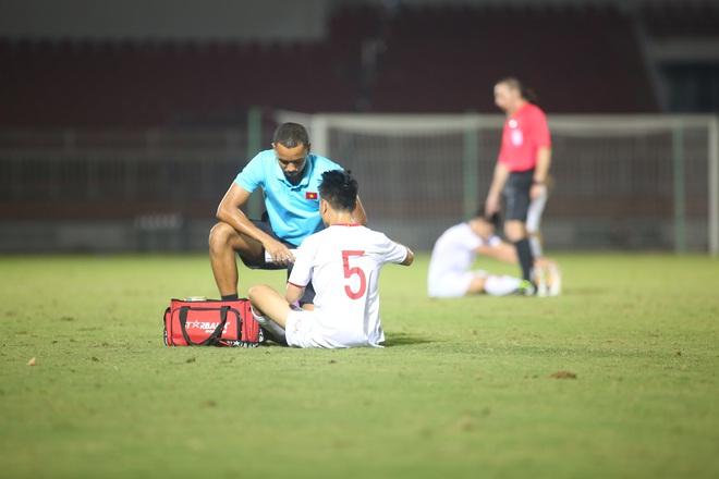 U19 Việt Nam thắng dễ U19 Guam 4-1, phù thủy trắng vẫn nổi điên trong ca-bin đội nhà - ảnh 14