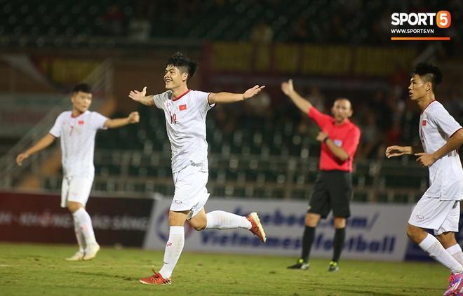 U19 Việt Nam thắng dễ U19 Guam 4-1, phù thủy trắng vẫn nổi điên trong ca-bin đội nhà - ảnh 22