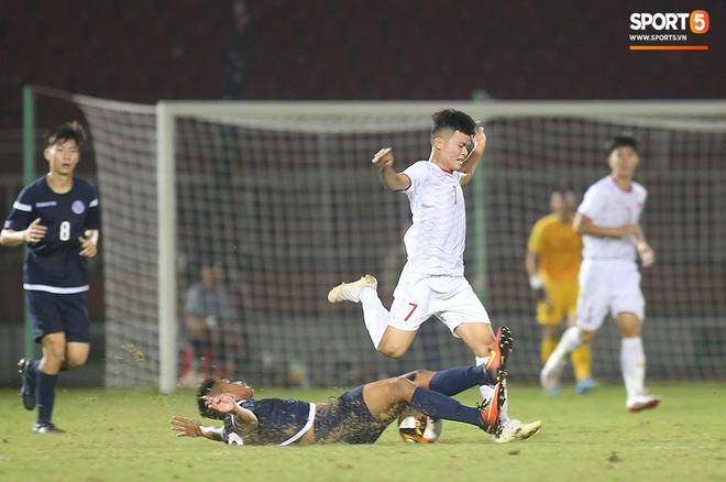 U19 Việt Nam thắng dễ U19 Guam 4-1, phù thủy trắng vẫn nổi điên trong ca-bin đội nhà - ảnh 12