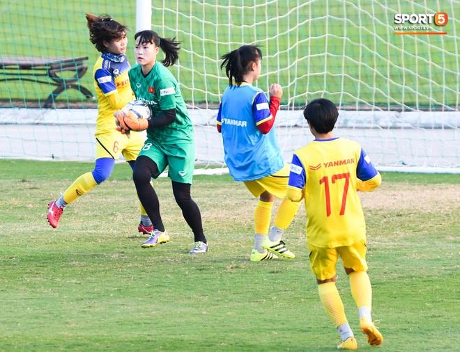 HLV Mai Đức Chung: Tuyển nữ Việt Nam sẽ gặp nhiều khó khăn tại SEA Games - ảnh 8