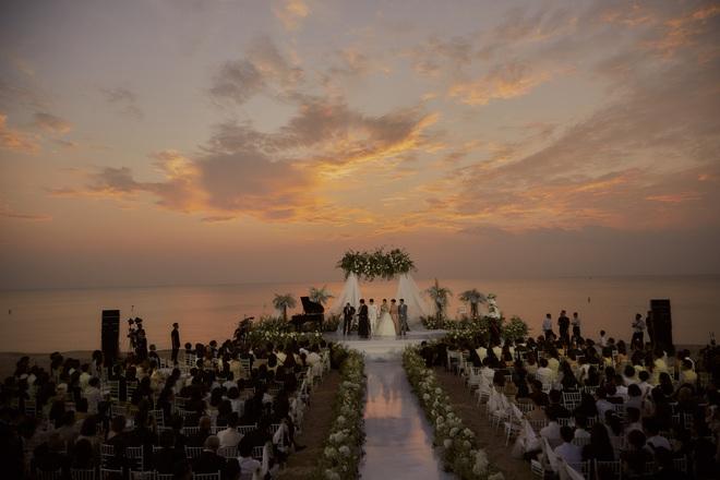 Đông Nhi ra mà xem trọn vẹn khoảnh khắc căng đét trong đám cưới của Mai Hồng Ngọc và Ông Cao Thắng này! - ảnh 4