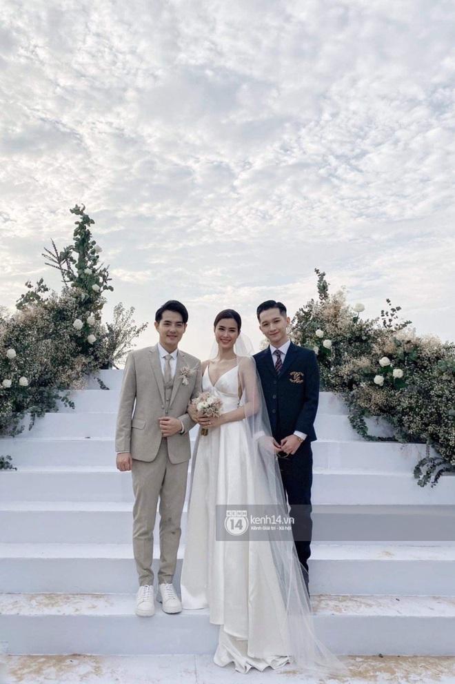 Trang phục dự siêu đám cưới cực lầy mang thương hiệu BB Trần: Cuốn chăn làm váy thướt tha, quyết không kém cạnh cô dâu Đông Nhi - ảnh 3