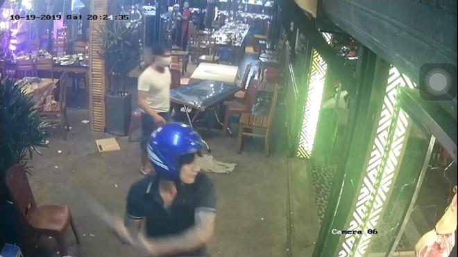 Không giành được mối bỏ nước đá, giám đốc chỉ đạo đàn em đập phá quán nhậu khiến thực khách bỏ chạy tán loạn - ảnh 3