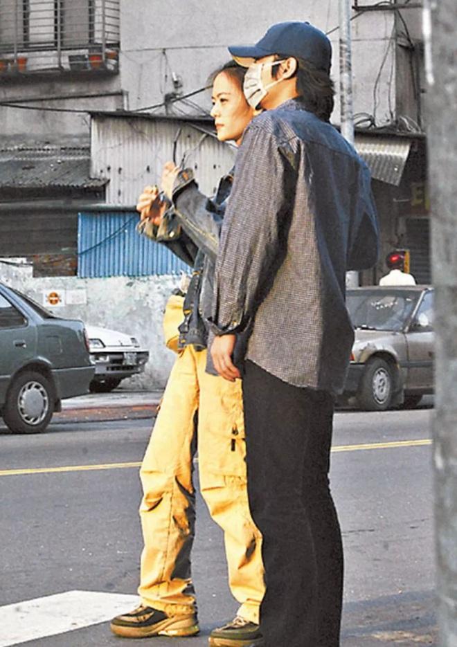 Công khai chưa được bao lâu, bạn gái Chồng hờ Song Ji Hyo lộ loạt ảnh nóng, bị gán danh Trần Quán Hy phiên bản nữ - ảnh 8