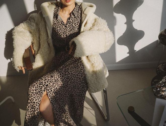 5 items sống mãi với thời gian khiến các BTV thời trang quả quyết: Tôi sẽ mặc chúng đến hết đời - ảnh 16