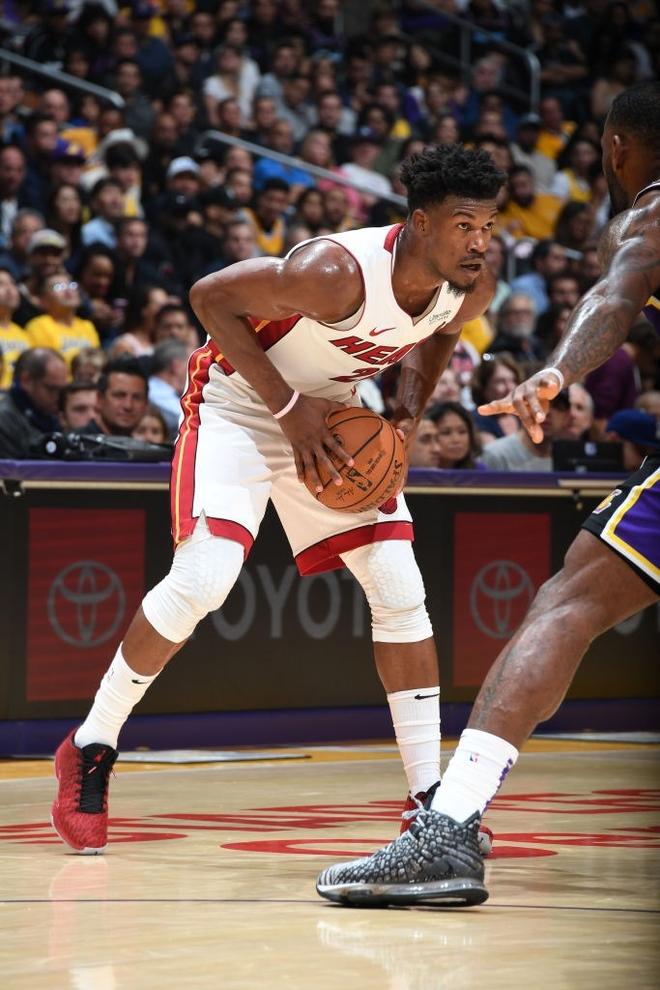 NBA 19-20: Bùng nổ từ hiệp 3 trước Miami Heat, Los Angeles Lakers đón trận thắng thứ 7 liên tiếp - ảnh 3