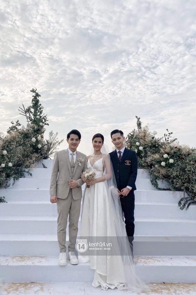 Cập nhật: 200 sao Việt xúng xính váy áo dự đám cưới đẹp như mơ của Đông Nhi - Ông Cao Thắng - ảnh 2