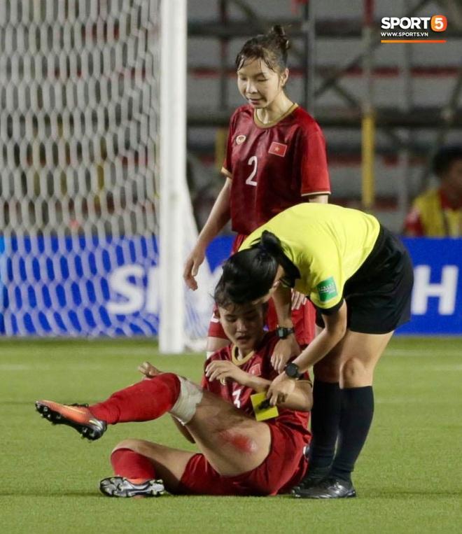 Nhìn lại hình ảnh Văn Hậu máu chảy ròng ròng, Trọng Hoàng toác hai đầu gối để đưa U22 Việt Nam vào chung kết SEA Games 30 - ảnh 10