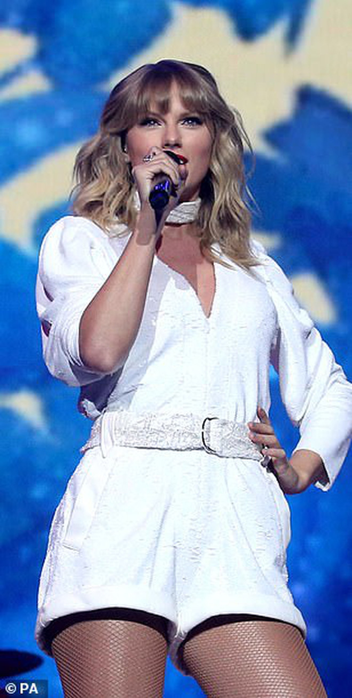 Chị rắn Taylor Swift lên cân trông thấy, cặp đùi tăng size nhưng vòng 1 khủng ngày nào đâu rồi? - ảnh 6