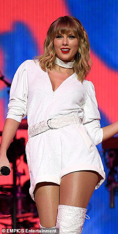 Chị rắn Taylor Swift lên cân trông thấy, cặp đùi tăng size nhưng vòng 1 khủng ngày nào đâu rồi? - ảnh 5