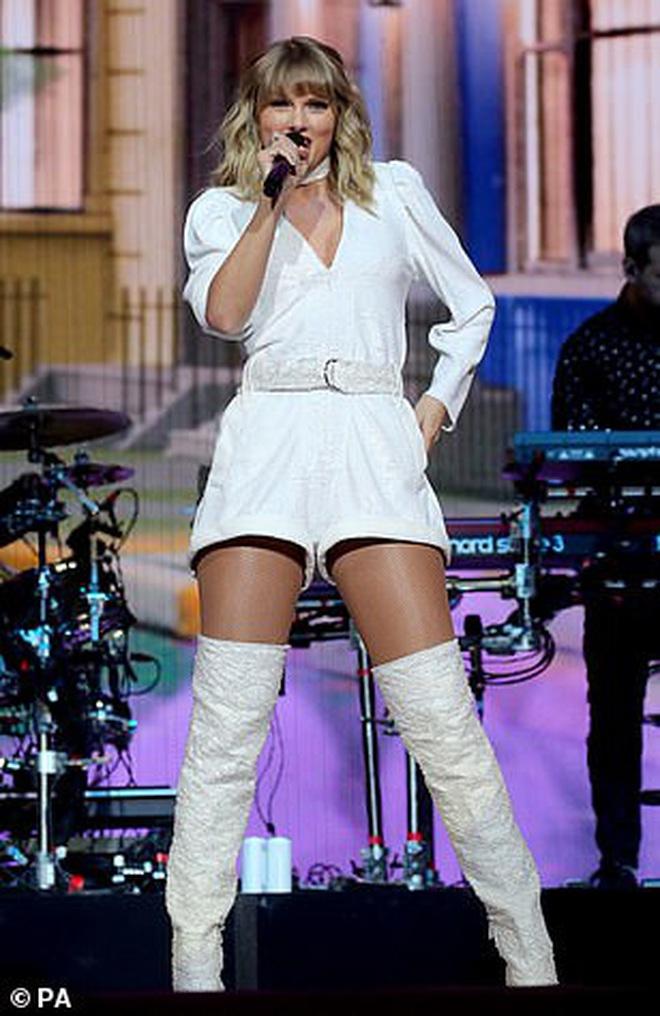 Chị rắn Taylor Swift lên cân trông thấy, cặp đùi tăng size nhưng vòng 1 khủng ngày nào đâu rồi? - ảnh 2