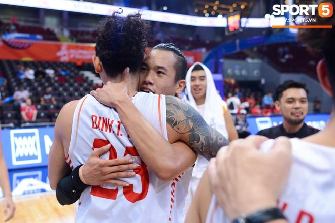 Chùm ảnh: Bật tung cảm xúc khi bóng rổ Việt Nam lần đầu giành tấm huy chương đồng tại SEA Games - ảnh 6
