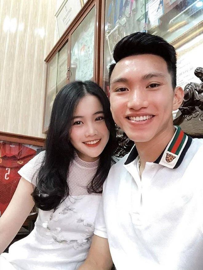 Bạn gái Đoàn Văn Hậu - gái xinh một bước lên mây khi hẹn hò cầu thủ đẹp trai, tài năng - ảnh 4