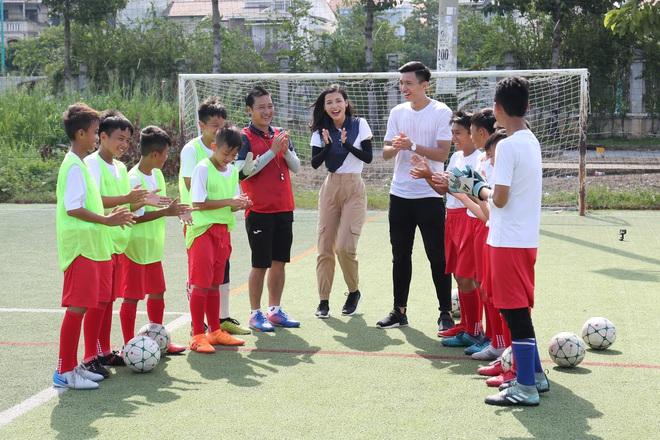 Đoàn Văn Hậu: Không nghĩ đến điều gì ngoài bóng đá, Hậu luôn tập trung vào trận đấu vì thầy và gia đình luôn ở phía sau! - ảnh 3