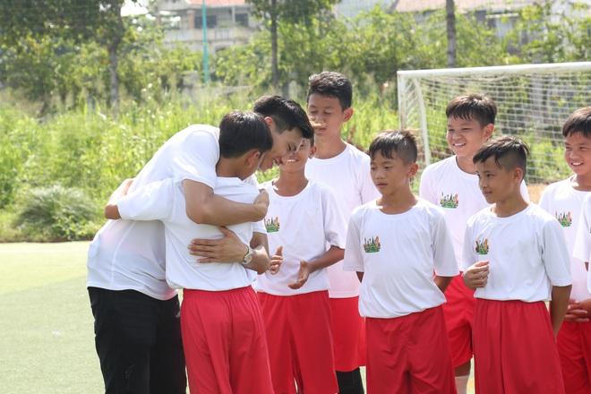 Đoàn Văn Hậu: Không nghĩ đến điều gì ngoài bóng đá, Hậu luôn tập trung vào trận đấu vì thầy và gia đình luôn ở phía sau! - ảnh 4