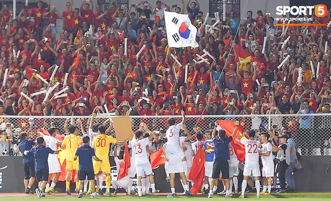 Giành huy chương vàng lịch sử ở SEA Games, Đoàn Văn Hậu gửi lời tri ân đến tất cả người hâm mộ - Ảnh 2.