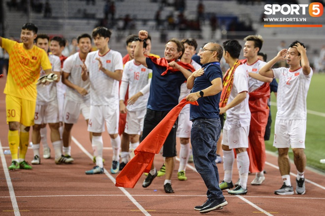 HLV Park Hang-seo: Chiến thắng này xin gửi tới toàn thể nhân dân Việt Nam - ảnh 2