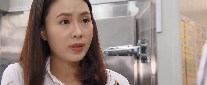 Tưởng vô sinh, ai ngờ San lại dính bầu sau 2 lần đu đưa với trai trẻ ở preview Hoa Hồng Trên Ngực Trái tập 38? - ảnh 1