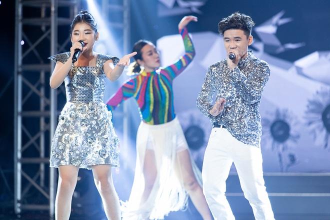 Cặp đôi vàng nhí: Long Nhật nhún nhảy không ngừng khi xem hot boy lai Hàn trình diễn hit Big Bang - ảnh 1