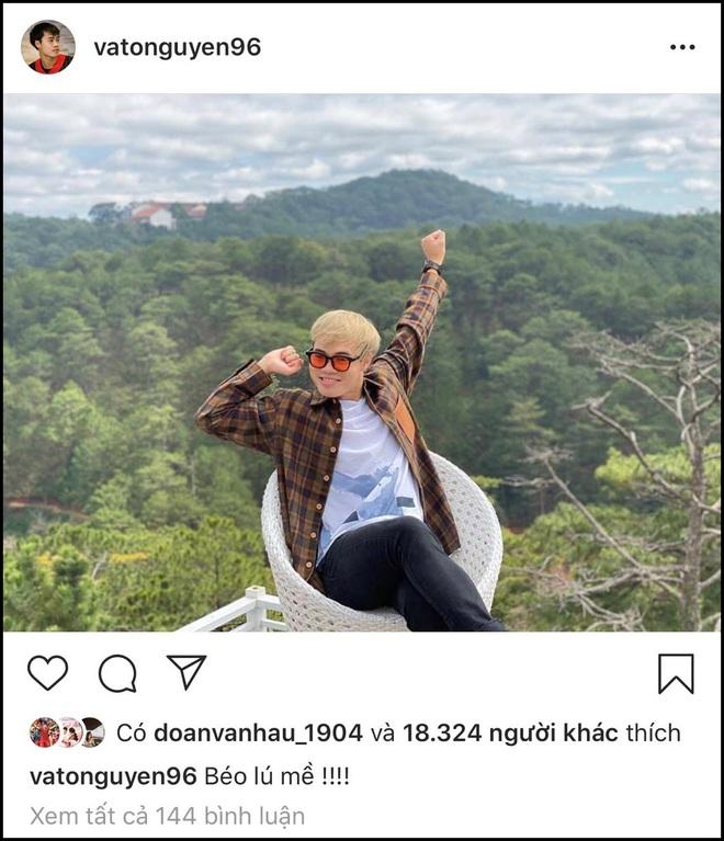 Lâu lâu mới comment dạo trên Instagram của nhau, Văn Toàn liền bị bạn gái soi ngay lỗi chính tả: Ú mề hay lú mề? - ảnh 1