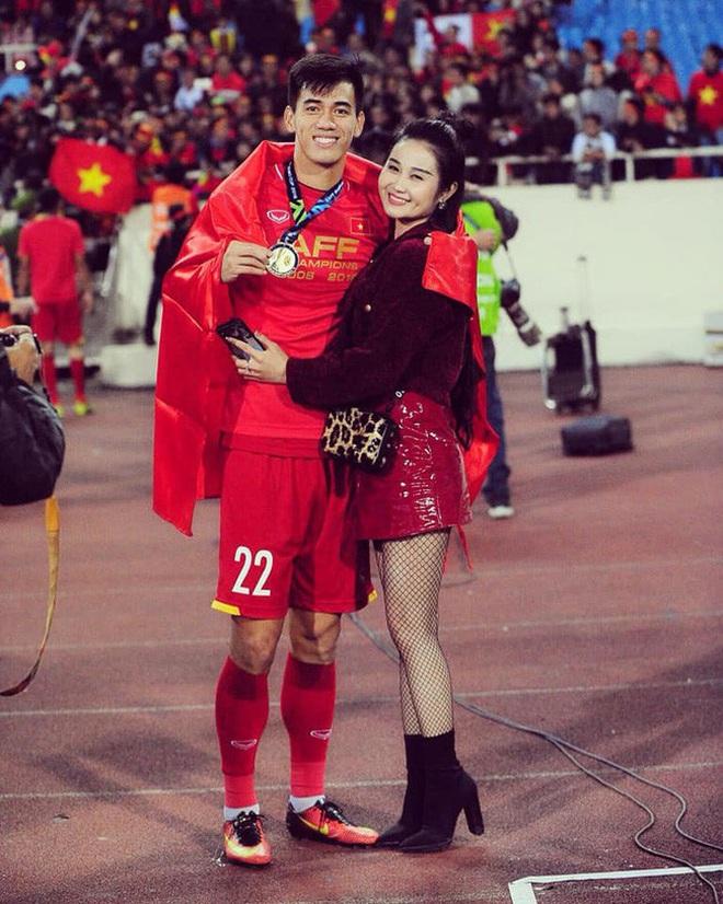 Dàn bạn gái cầu thủ Việt: Toàn con nhà trâm anh thế phiệt, xinh đẹp hơn người lại còn sở hữu học vấn siêu đỉnh - ảnh 5