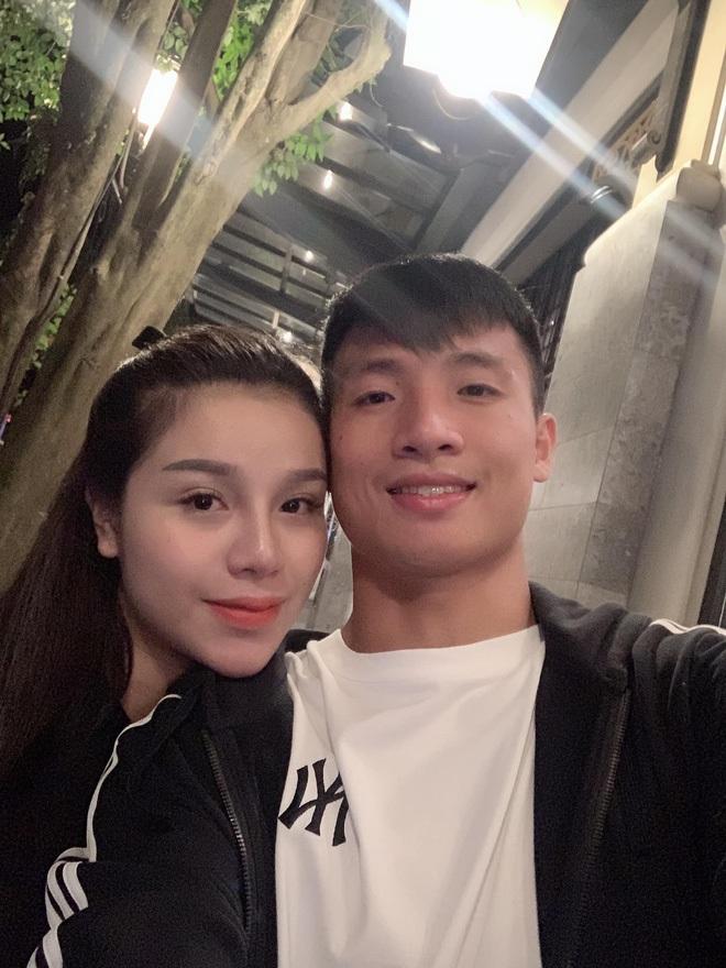 Dàn bạn gái cầu thủ Việt: Toàn con nhà trâm anh thế phiệt, xinh đẹp hơn người lại còn sở hữu học vấn siêu đỉnh - ảnh 18
