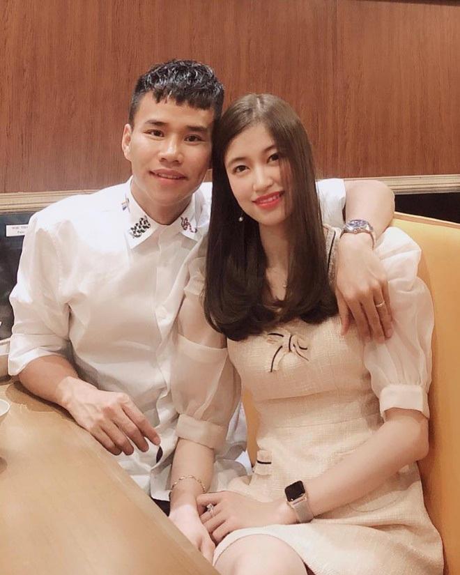 Dàn bạn gái cầu thủ Việt: Toàn con nhà trâm anh thế phiệt, xinh đẹp hơn người lại còn sở hữu học vấn siêu đỉnh - ảnh 21