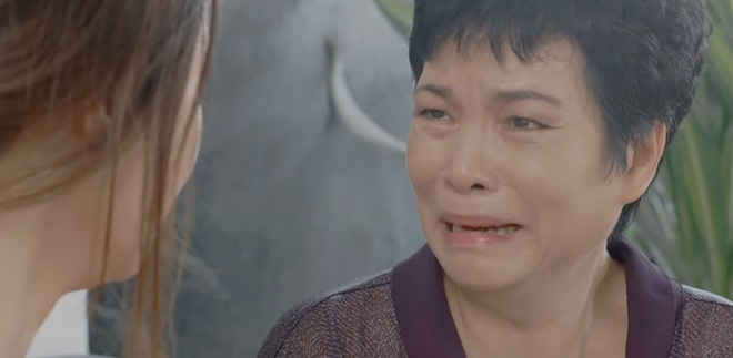 """3 kiểu làm mẹ ở """"Hoa Hồng Trên Ngực Trái"""": Người cưng con dâu hết nấc, kẻ lên đời mẹ mìn của năm - ảnh 9"""