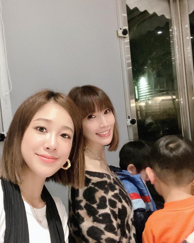 Vợ chồng Lâm Chí Dĩnh liên tục tránh chụp ảnh chung trong dịp đặc biệt, netizen lo cả hai trục trặc tình cảm - ảnh 4