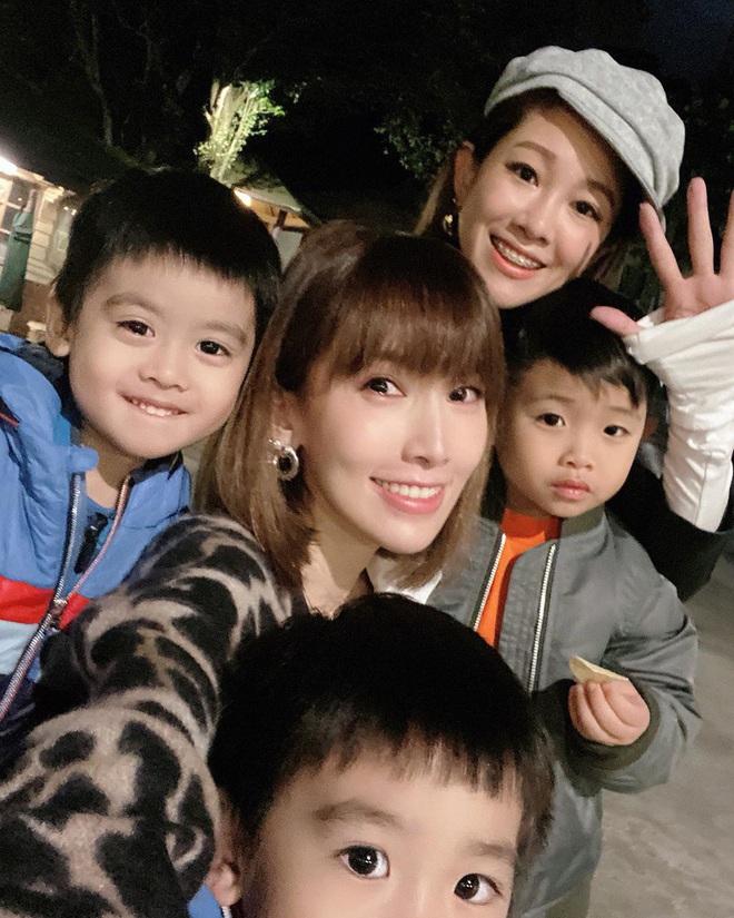 Vợ chồng Lâm Chí Dĩnh liên tục tránh chụp ảnh chung trong dịp đặc biệt, netizen lo cả hai trục trặc tình cảm - ảnh 7