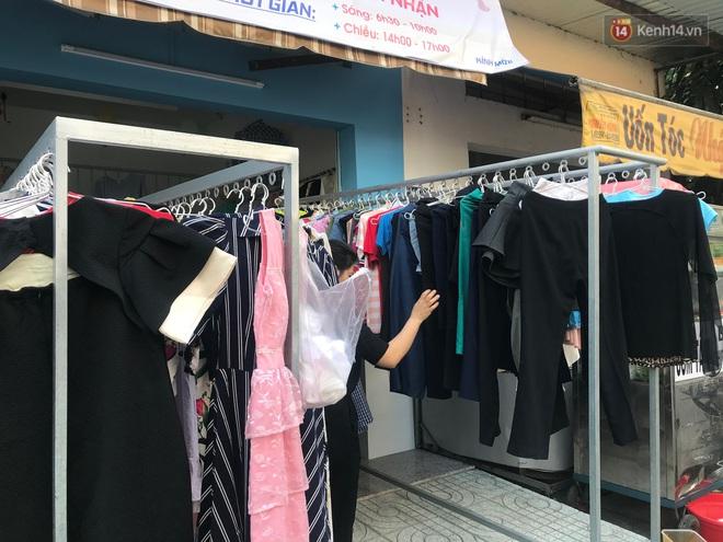 Tiệm bánh mì và shop quần áo 0 đồng ấm lòng người nghèo Sài Gòn - ảnh 5