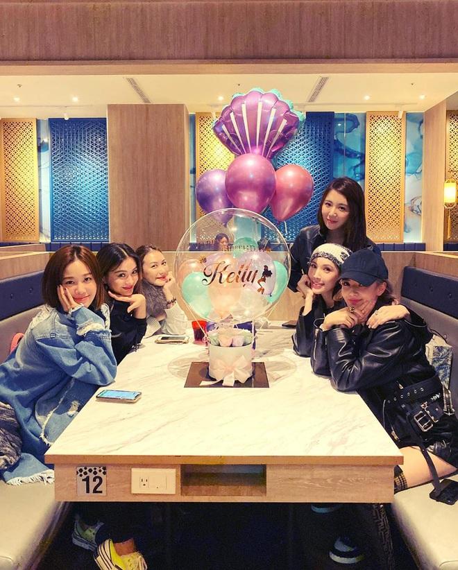Vợ chồng Lâm Chí Dĩnh liên tục tránh chụp ảnh chung trong dịp đặc biệt, netizen lo cả hai trục trặc tình cảm - ảnh 2